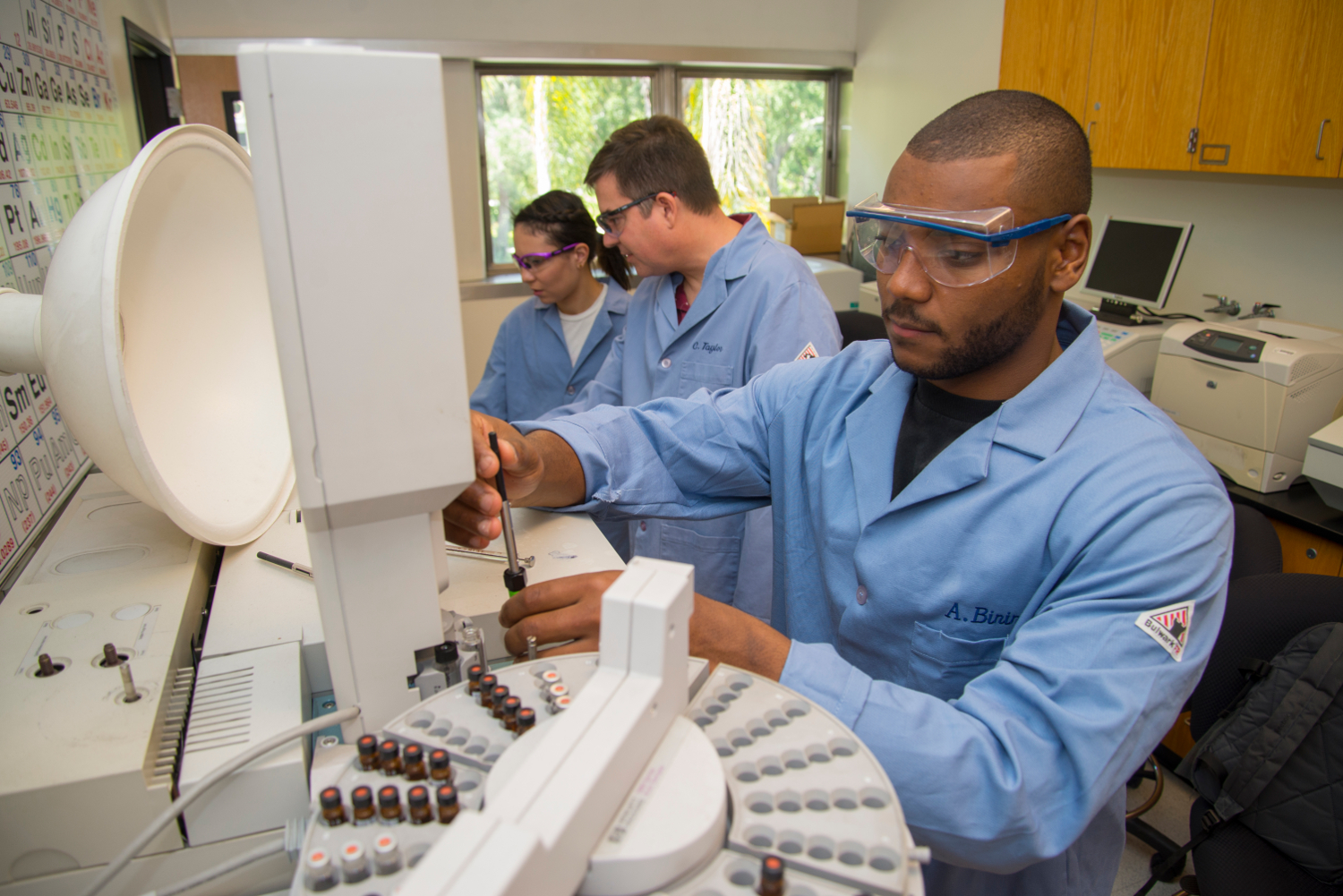 Aseal Birir '18 is a chemistry major and Pomona-Pitzer Sagehens football player who got first-hand research experience in the...
