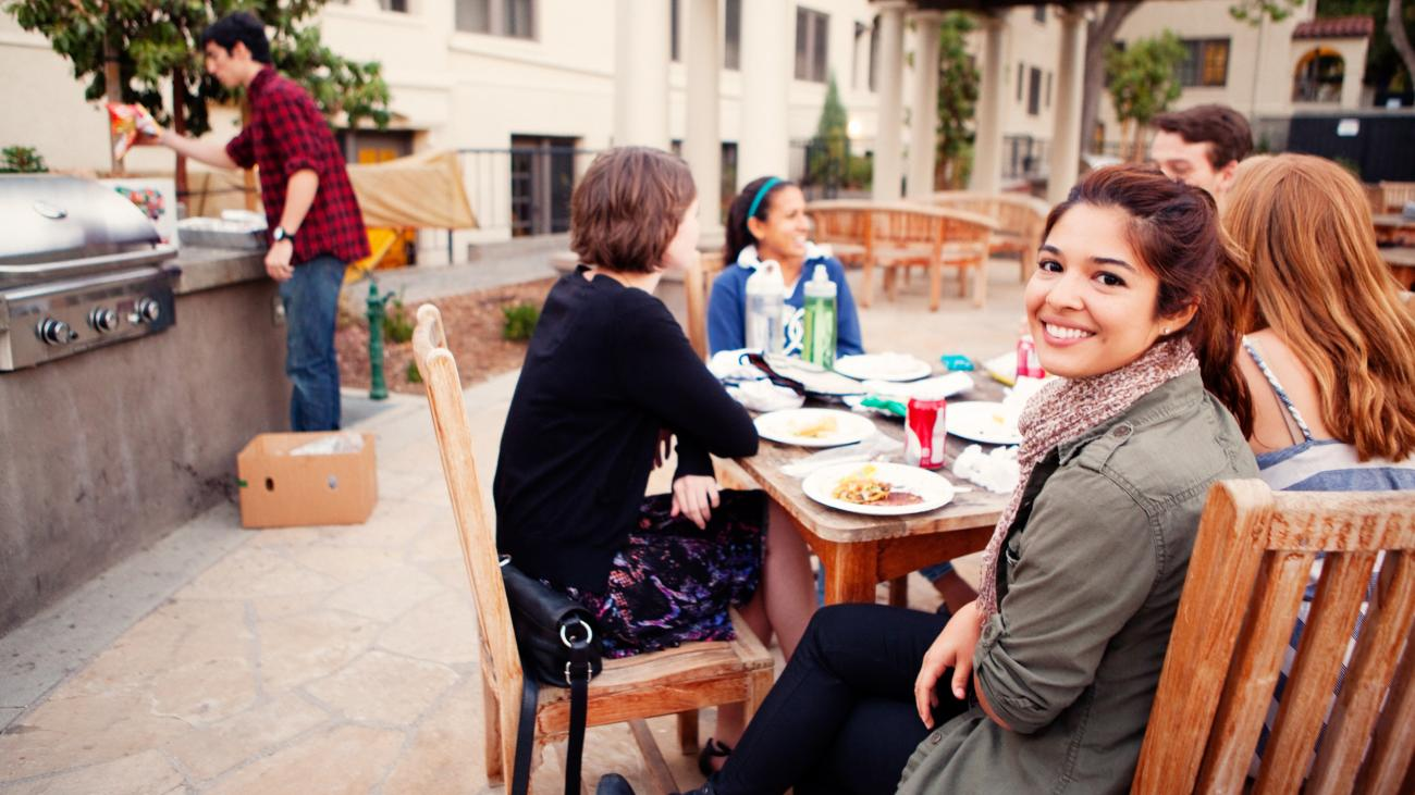 Students eating food outside