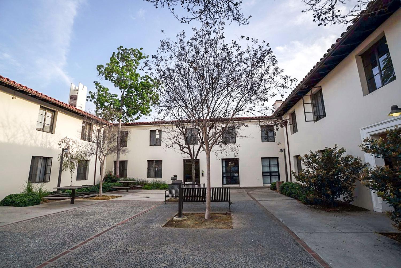 Residence Halls At Pomona College Pomona College In Claremont